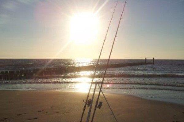 Wouter, op jacht naar tong vanaf het strand