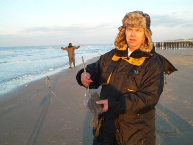 Strandvissen te Domburg met Nico