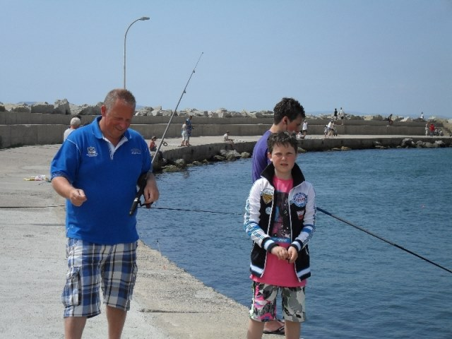 Wil gaat vissen in Spanje