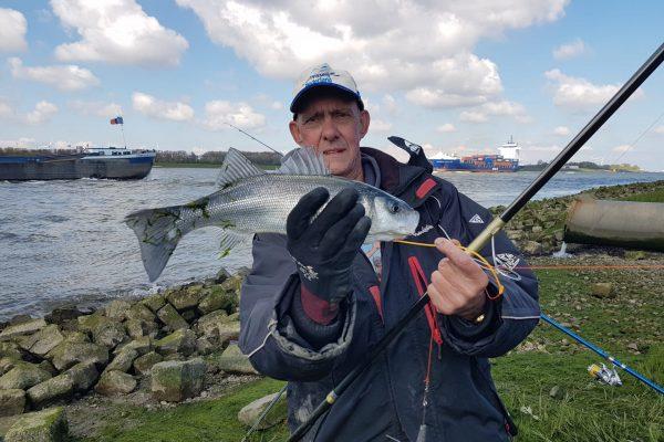 Vissen met Frank aan de Waterweg