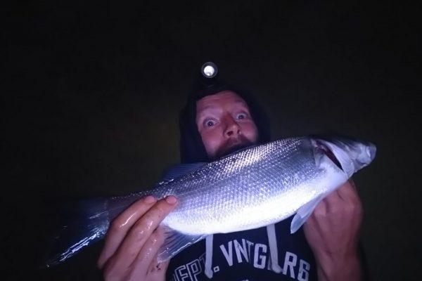 Jeff, vissen aan de Waterweg