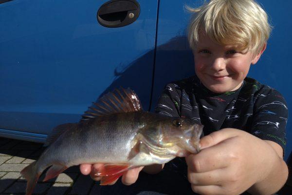 Jeff en kids, vissen aan de Westerschelde
